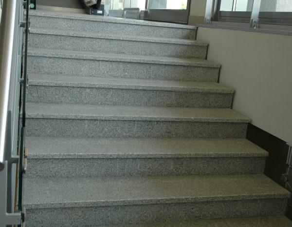 schody granitowe antypoślizgowe G603 szare