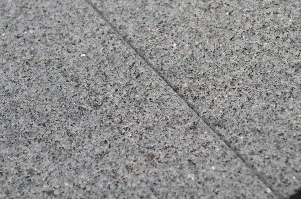 G654 granit płomieniowany na taras