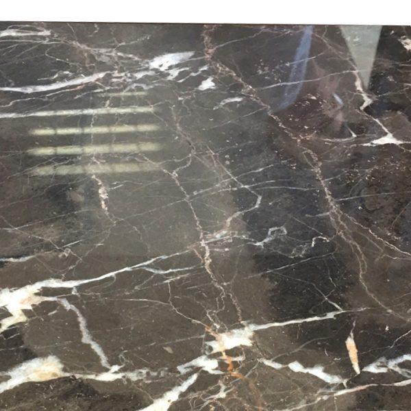 kamień naturalny na podłogę polerowany