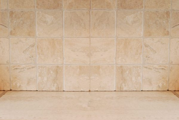 bębnowany kamień naturalny na ścianę dekoracyjny